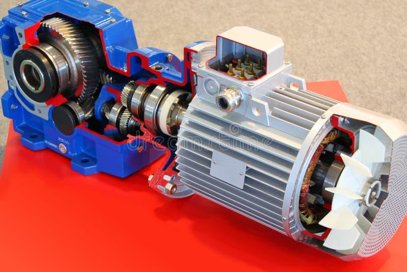 Moteur électrique avec des trains photo libre de droits