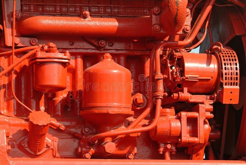 Moteur diesel rouge brillamment peint images stock
