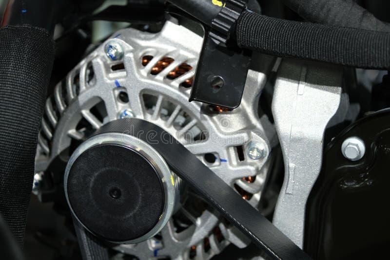 moteur puissant d'une voiture Conception interne du moteur Pièce moteur de voiture Moteur de voiture puissant moderne images stock