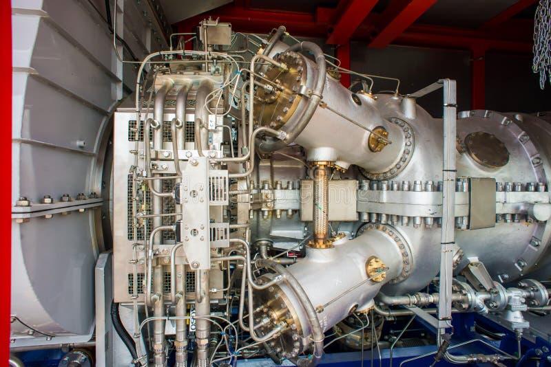 Moteurs à gaz naturels à la centrale de production combinée photographie stock