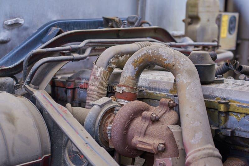 Moteurs diesel, pièces de rechange à l'intérieur des camions et équipement spécial de fin du Japon  photographie stock libre de droits