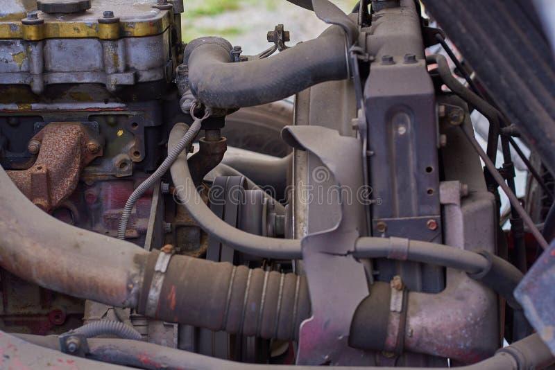 Moteurs diesel, pièces de rechange à l'intérieur des camions et équipement spécial de fin du Japon  photo libre de droits