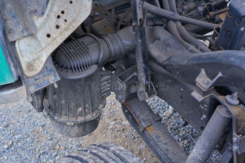 Moteurs diesel, pièces de rechange à l'intérieur des camions et équipement spécial de fin du Japon  photos libres de droits