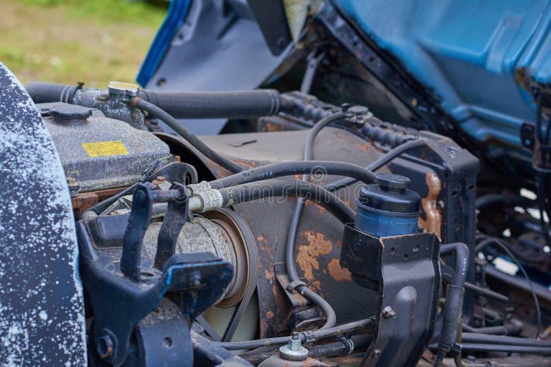 Moteurs diesel, pièces de rechange à l'intérieur des camions et équipement spécial de fin du Japon  photographie stock