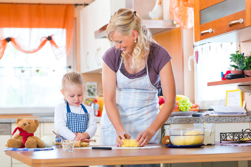 Download Mother And Daughter Baking Cookies Together Stock Image - Image: 33974521
