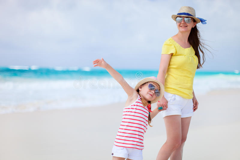 Download Mother And Daughter At Beach Stock Image - Image: 34175003