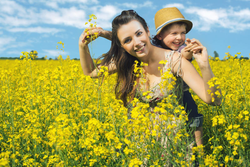 Download Mother And Her Child In Spring Park Stock Image - Image: 31892529