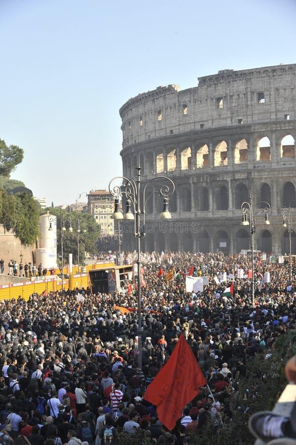 Motins em Roma - protesto italiano dos estudantes fotos de stock
