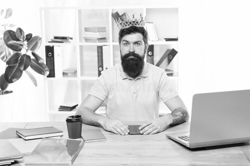 Motivatie en beloning Bedrijfs succes Chef- bureau Grote werkgever in kroon Succes Leiding Chef- grootste bureau - royalty-vrije stock foto's