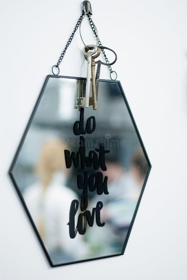 motivation Faça o que você ama imagens de stock