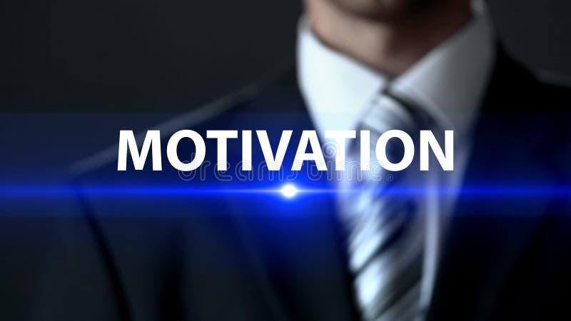 Motivation, homme d'affaires se tenant devant l'écran, inspiration pour le développement photo stock