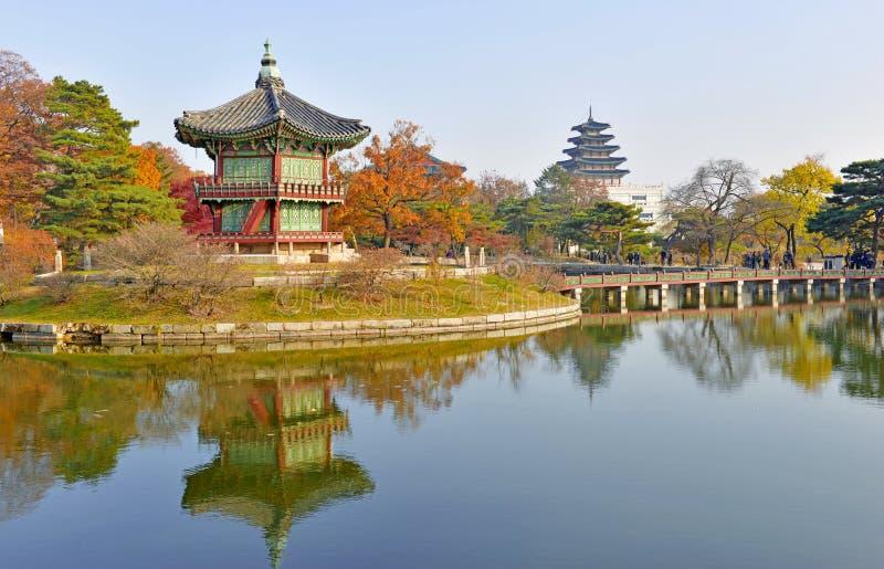 Motivi del palazzo di Gyeongbokgung, Seoul, Corea del Sud fotografia stock