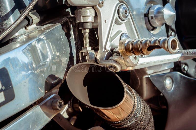 Moto à la fermeture de ressort de la saison de moto image stock