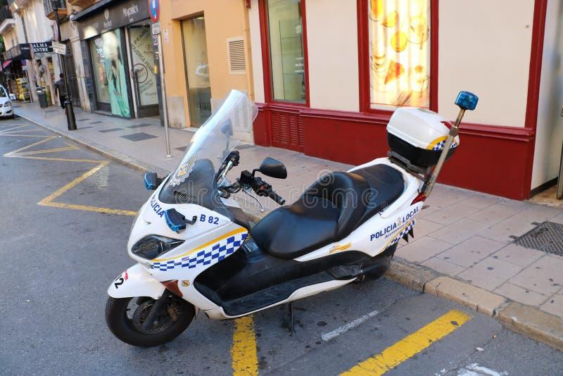 Moto de la policía local de Palma de Mallorca imagenes de archivo