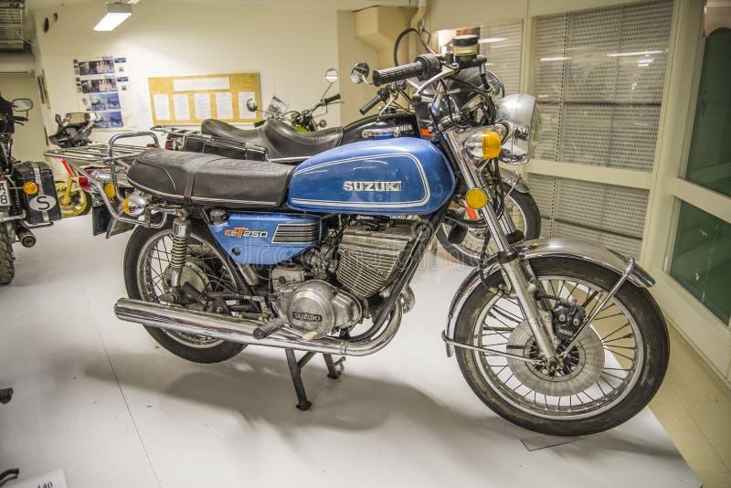 Moto del vintage, suzuki 1975 GT fotos de archivo