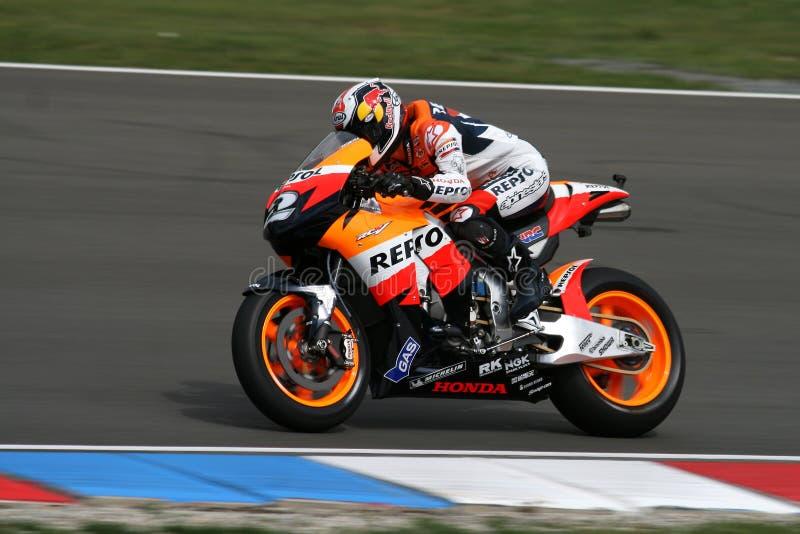 Moto en el circuito de MotoGP fotos de archivo libres de regalías