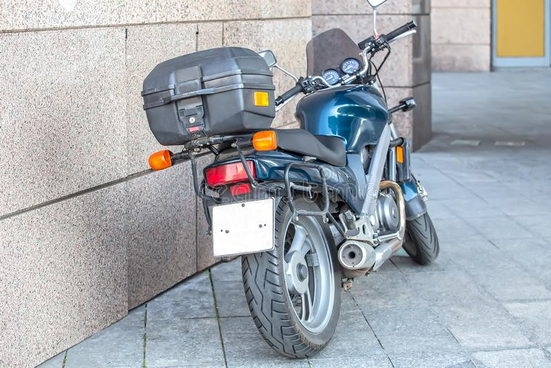 moto garée à wal photographie stock libre de droits