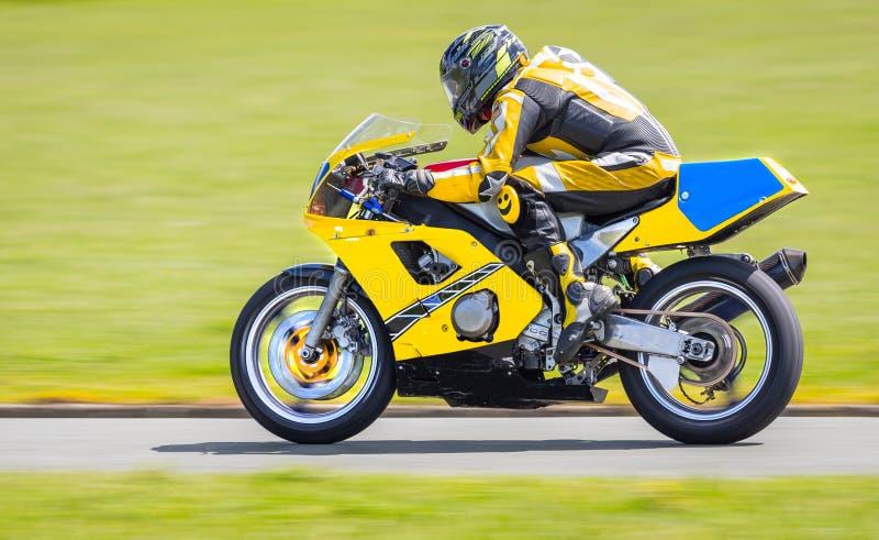 Moto jaune image libre de droits