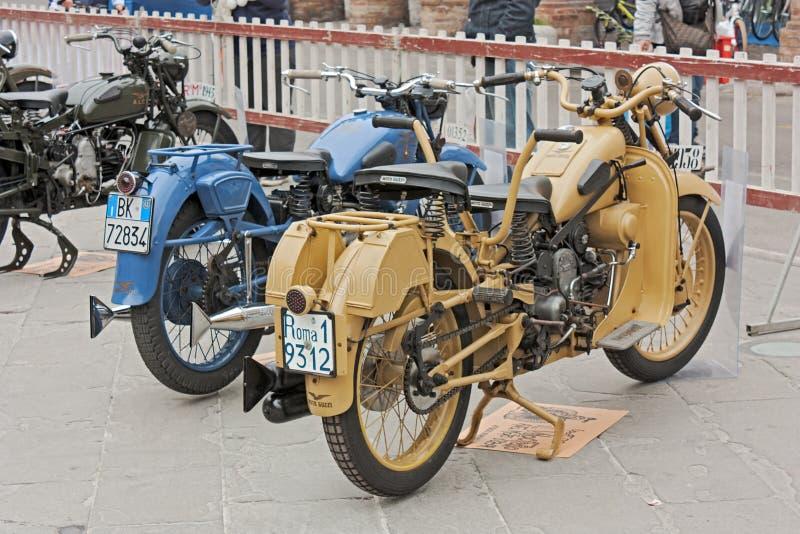 Moto velho Guzzi imagens de stock
