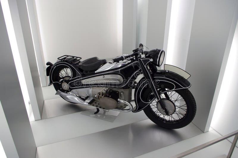 Motobike op het podium royalty-vrije stock fotografie