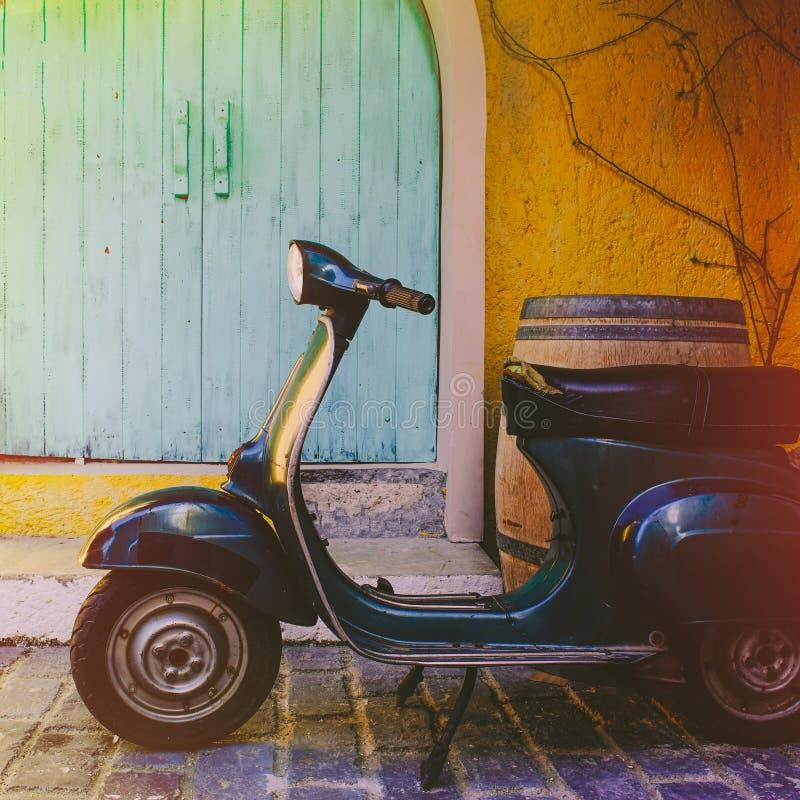 Motocicleta antigua foto de archivo libre de regalías