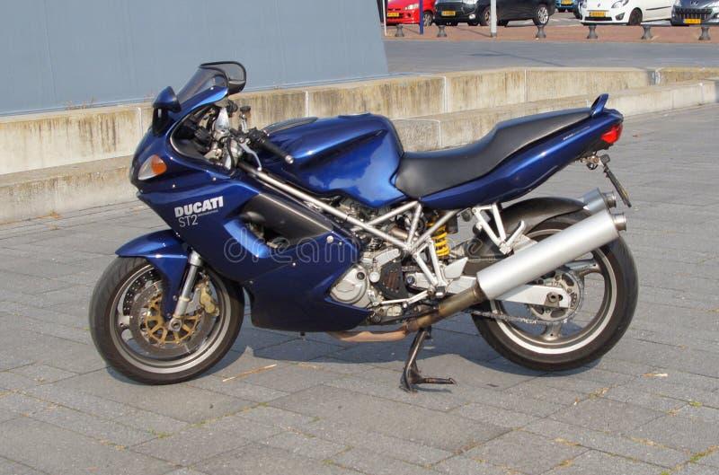 Motocicleta de Ducati st2 imágenes de archivo libres de regalías