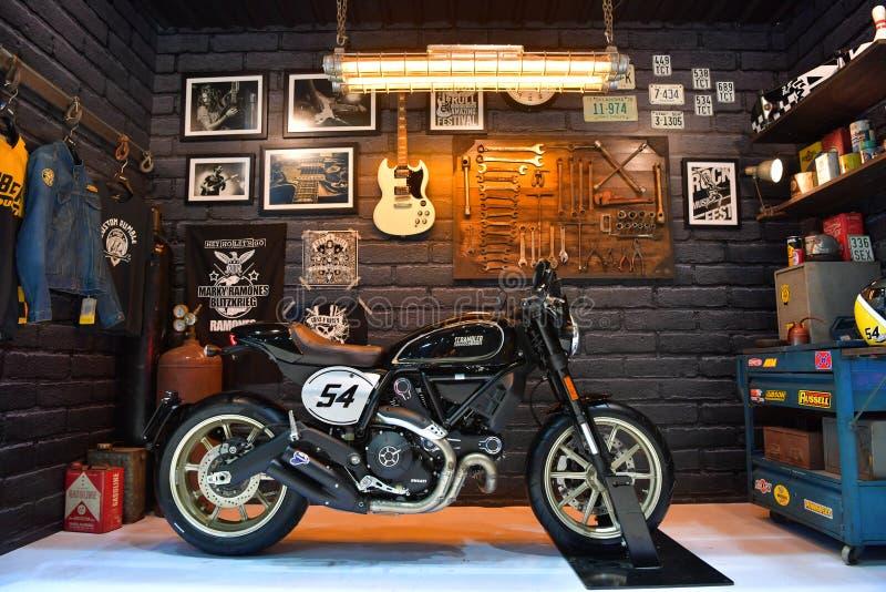 Motocicleta del desmodulador de Ducati en Bangkok Tailandia internacional MES foto de archivo libre de regalías