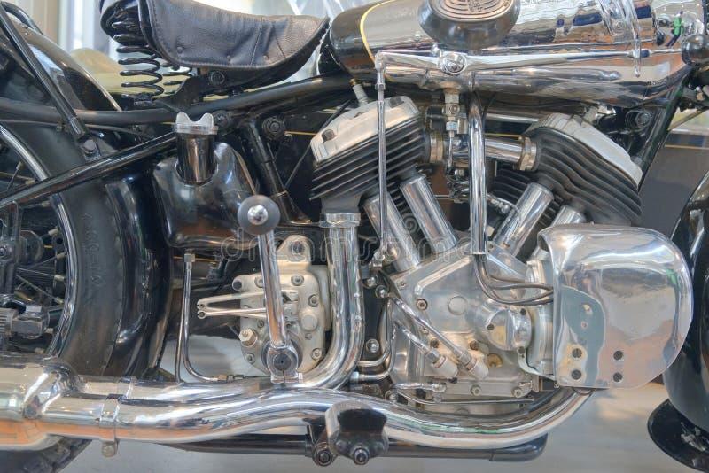 Motocicleta del vintage en la demostración en los brooklands museo, Inglaterra fotos de archivo