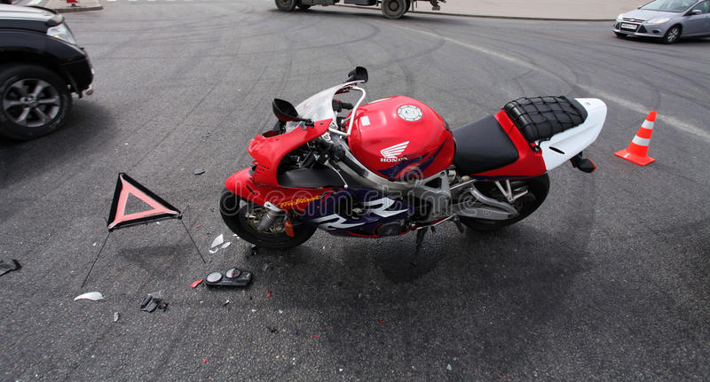Motocicleta estrellada imagenes de archivo