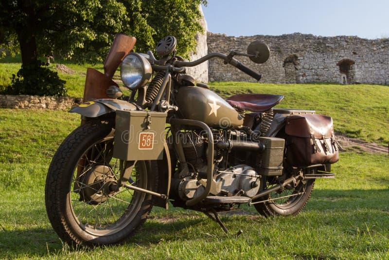 Motocicleta militar vieja de WWII fotos de archivo