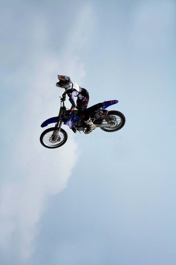 Motocicleta no ar foto de stock royalty free