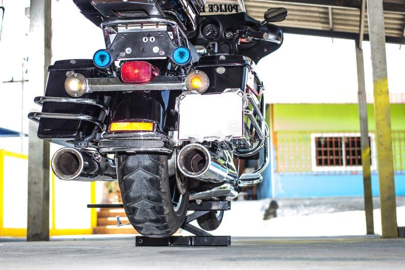 Motocicleta no mini elevador foto de stock royalty free
