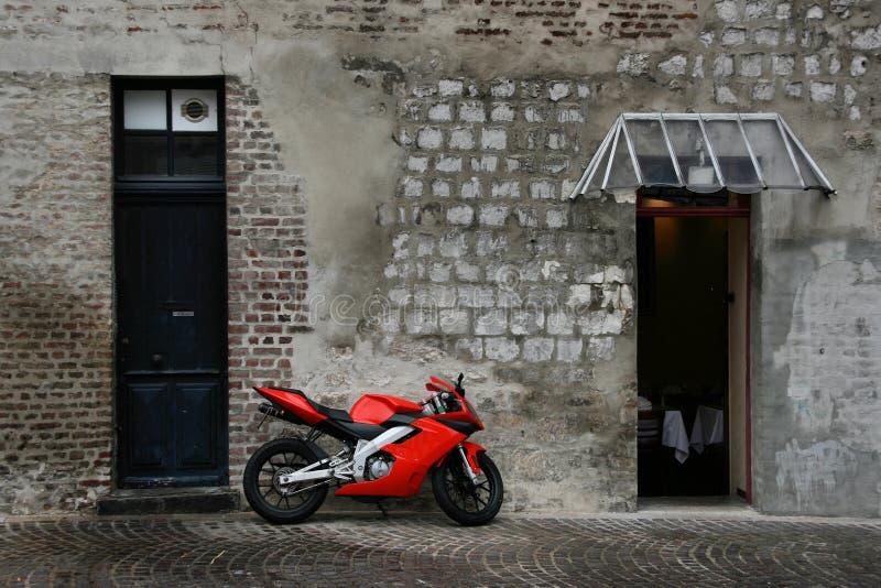 Motocicleta vermelha fotografia de stock
