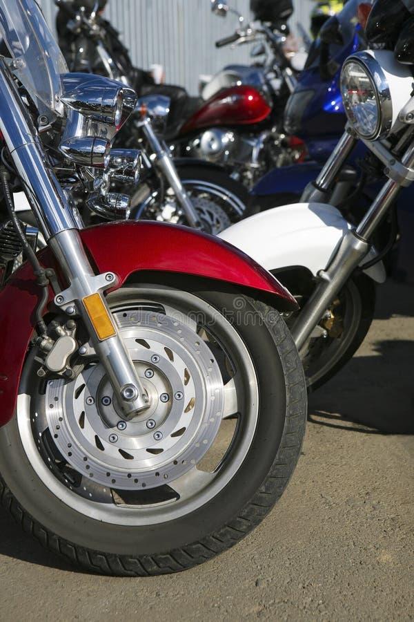 Download Motocicletas No Estacionamento Foto de Stock - Imagem de bicicletas, motor: 29840496