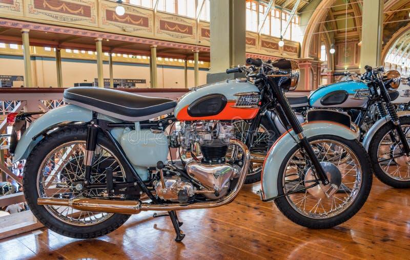 Motocicletas de Triumph del vintage en Motorclassica foto de archivo libre de regalías