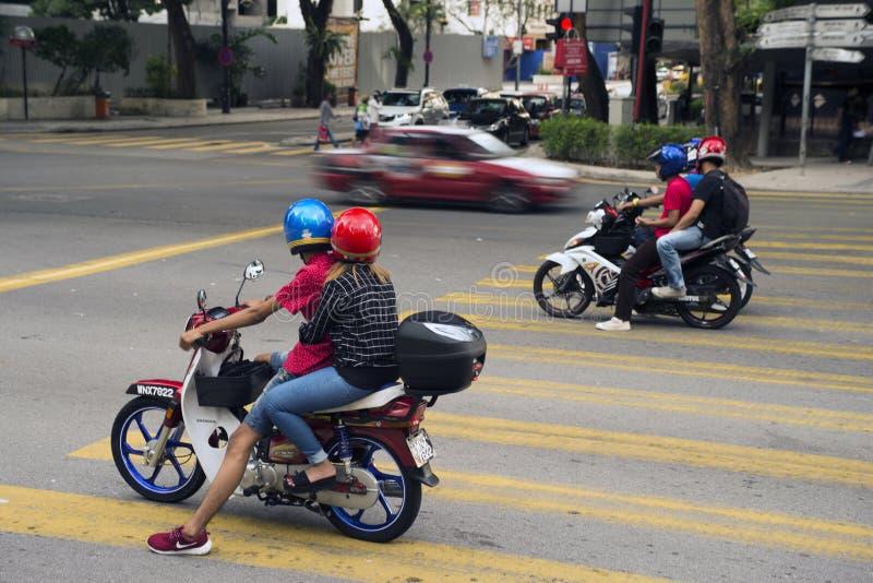 Motocicletas en tráfico fotografía de archivo