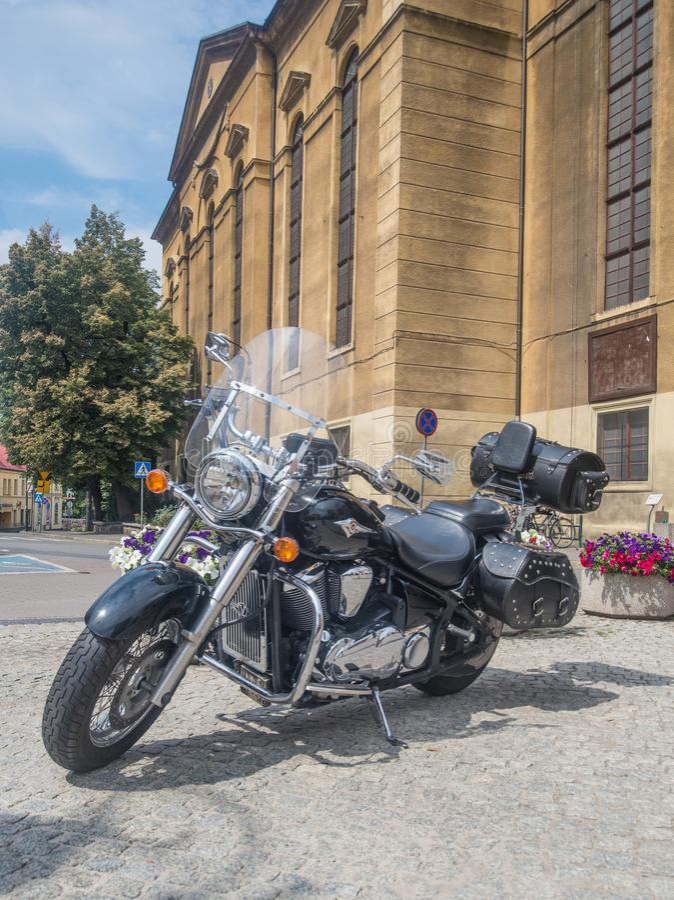 Motocicletta di Kawasaki parcheggiata immagini stock