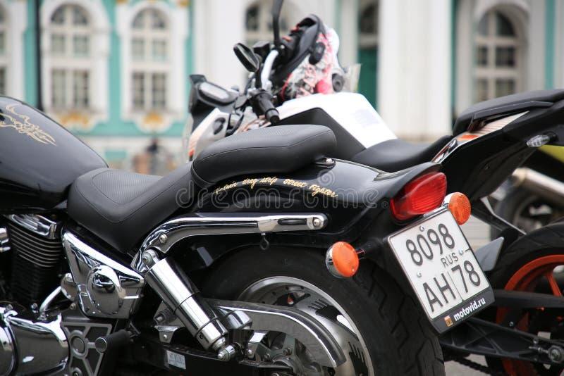 Motocicletta giapponese Suzuki Desperado 400, chiusura laterale posteriore immagine stock libera da diritti