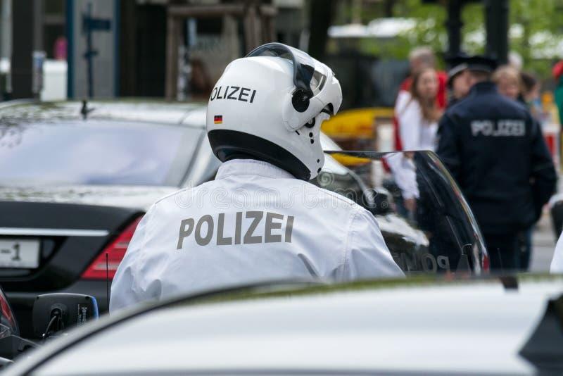 Motociclista da polícia. foto de stock