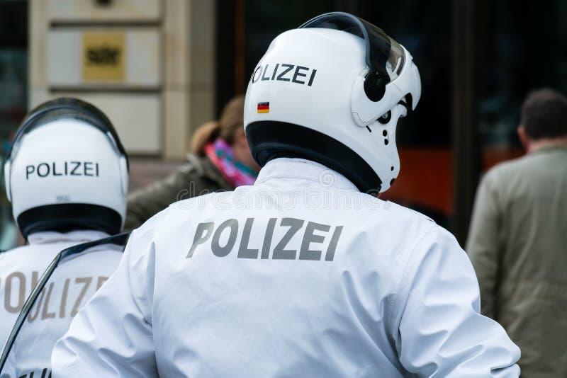 Motociclista da polícia. imagem de stock
