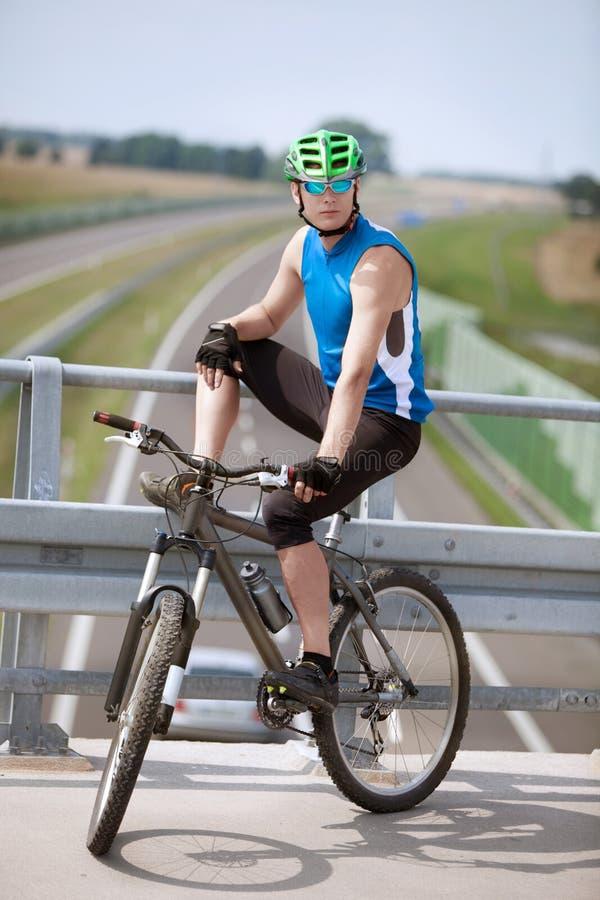 Motociclista de descanso fotos de stock royalty free