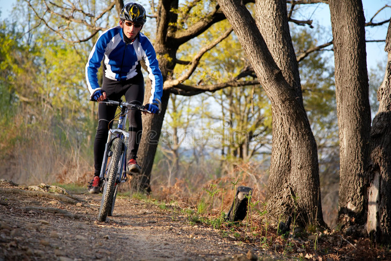 Motociclista della montagna fotografie stock libere da diritti