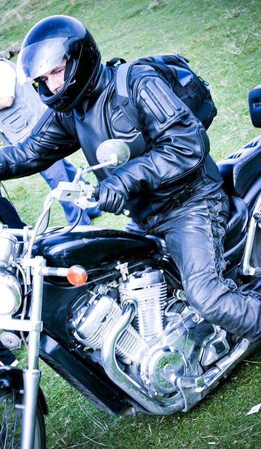 Motociclista na motocicleta fotos de stock