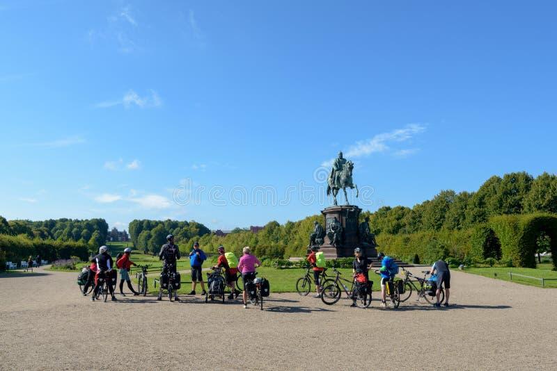 Motociclisti al giardino del castello di Schwerin immagine stock libera da diritti
