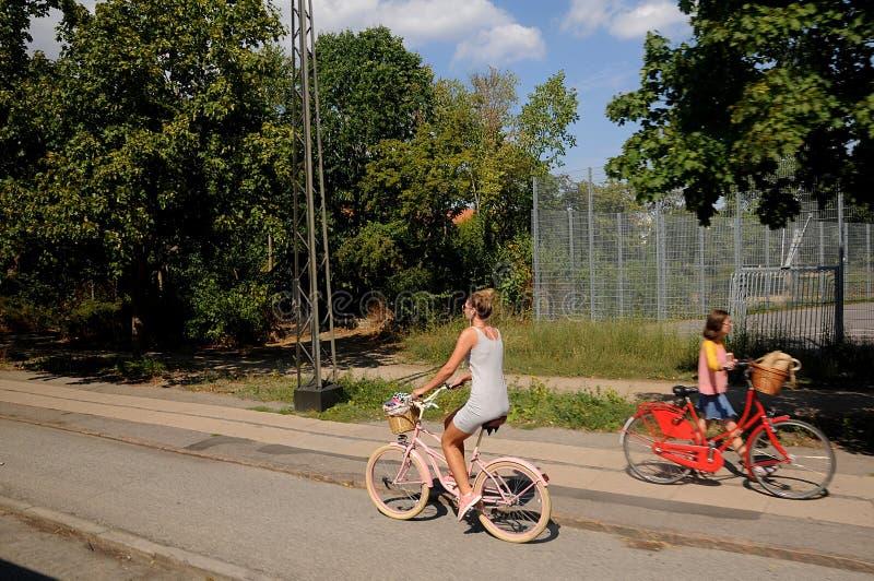 motociclisti femminili fotografie stock libere da diritti