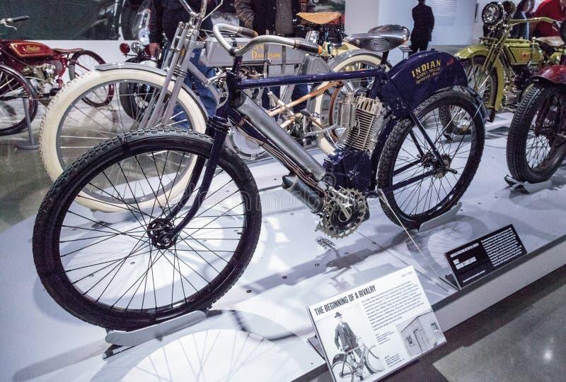 Motociclo del Camelback dell'indiano dei blu navy 1902 fotografie stock libere da diritti