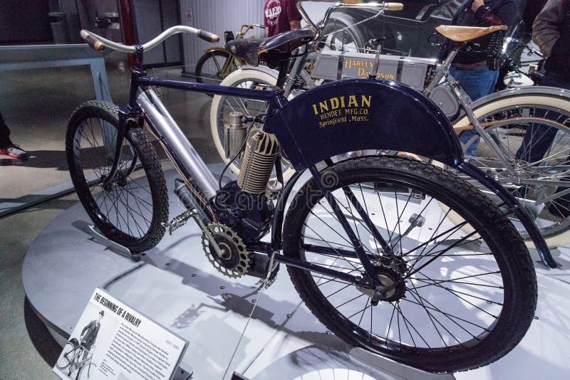 Motociclo del Camelback dell'indiano dei blu navy 1902 immagini stock libere da diritti