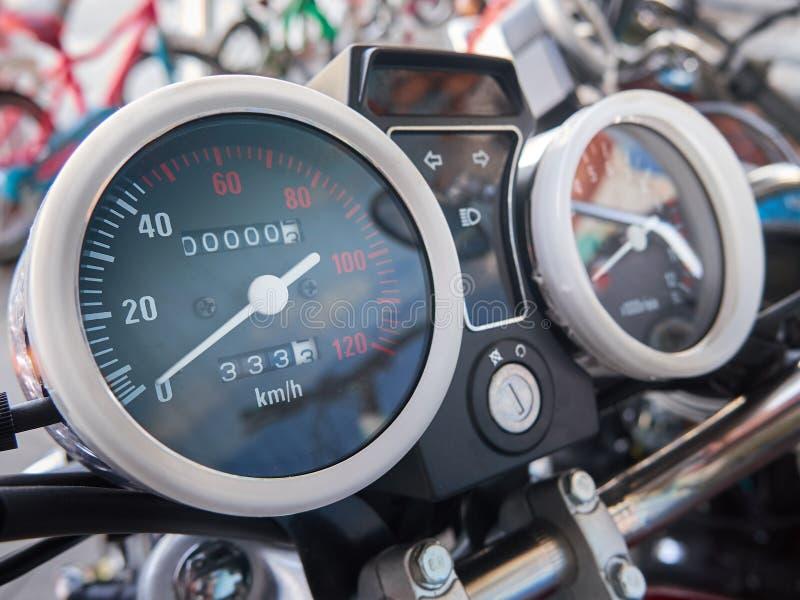 Motociclo pezzi di ricambio e componenti motore tachimetro fotografie stock
