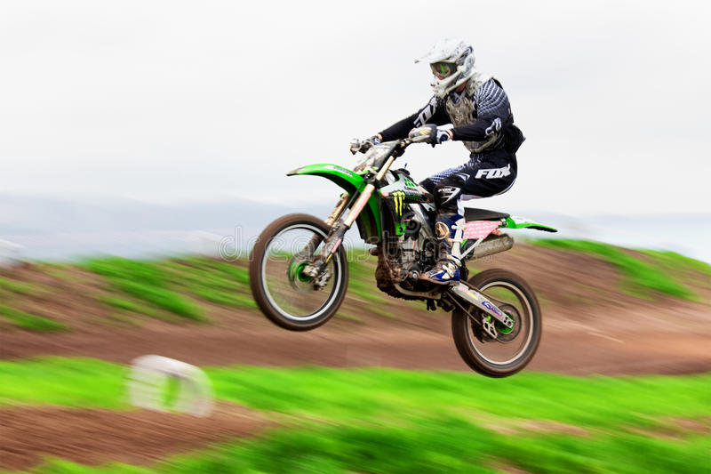 Motocroßkonkurrenz lizenzfreie stockbilder