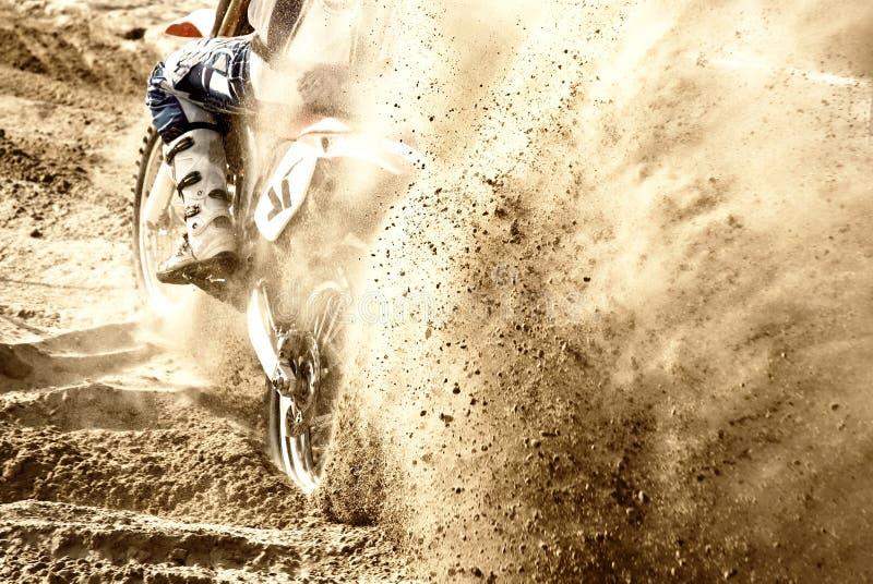 Motocross auf dem Sand stockfotografie